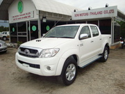 Toyoto Hilux год 2011