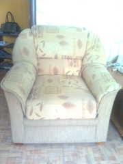 продам 2 мягких кресла